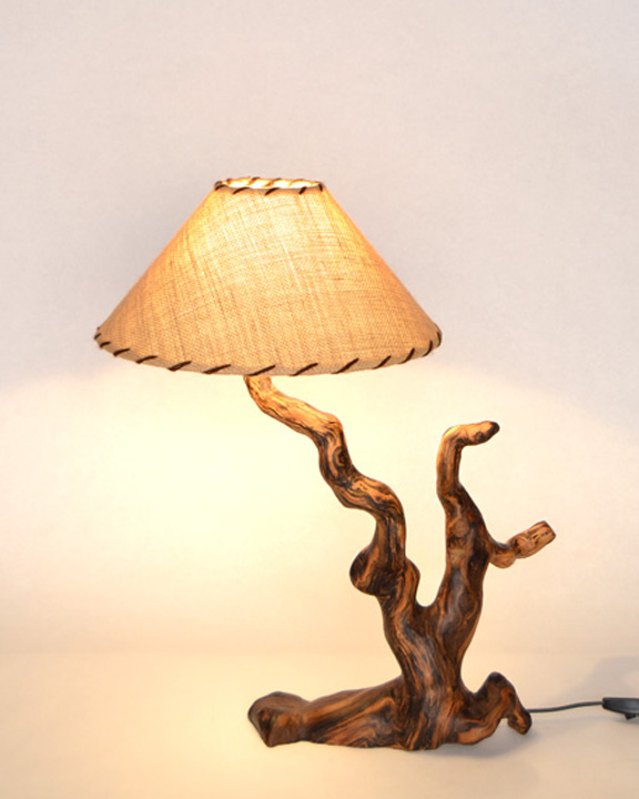 Lampara de mesa rustica ls 15 101 tronkasa - Lamparas de pie rusticas de madera ...