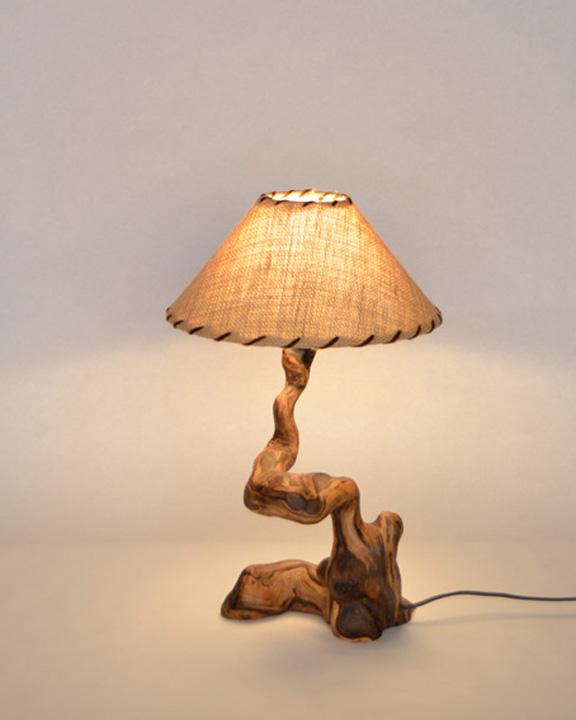 Lampara de mesa rustica ls 15 112 tronkasa for Lamparas de mesa de madera